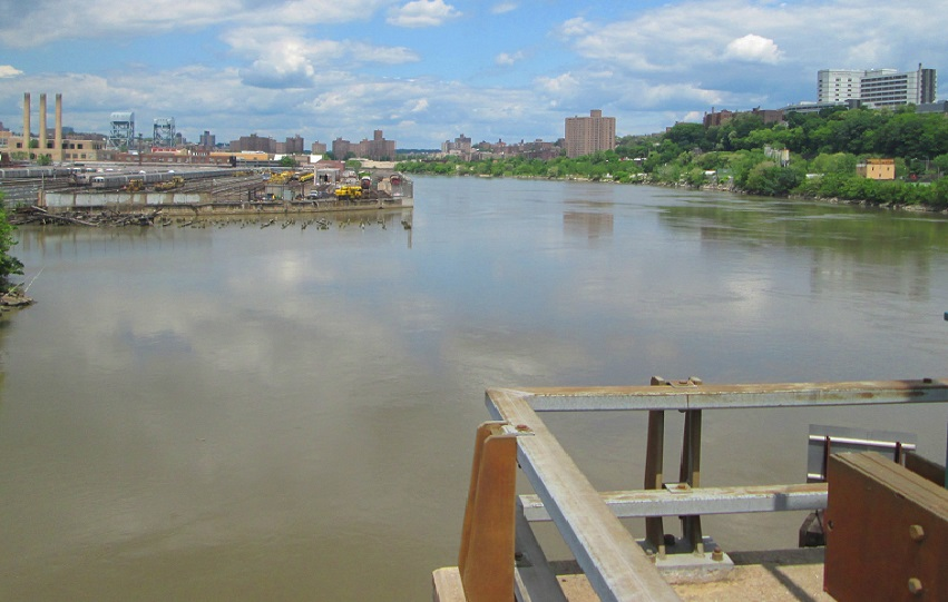 The Harlem River north of the University Heights Bridge. New building on the Bronx shoreline to the right, could follow development on the Manhattan side.