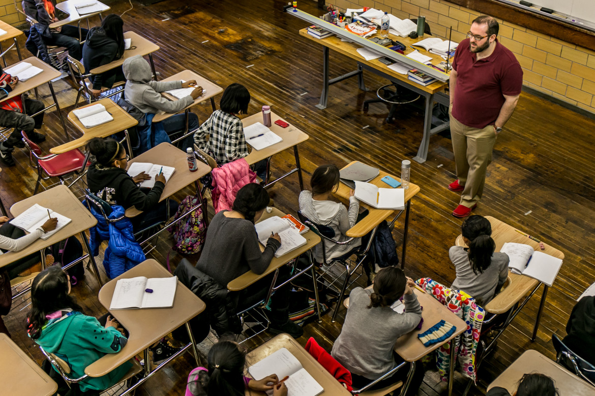 On a recent Saturday, Michael Mascetti Executive Director of The Science School Initiative, teaching mathematics to a group of 7th graders at the Brooklyn Technical High School. He was teaching mathematics for the National Grid sponsored Brooklyn Tech Alumni Foundation's STEM Pipeline Program.