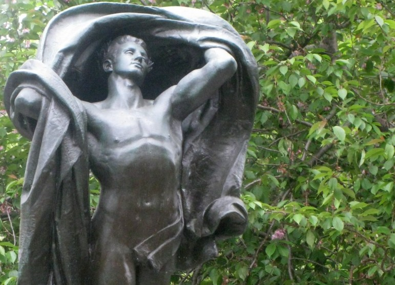 Dawn of Glory, a WWI memorial statue in Highland Park.