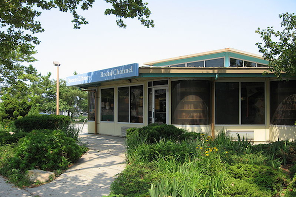 The Broad Channel library, part of the Queens network.