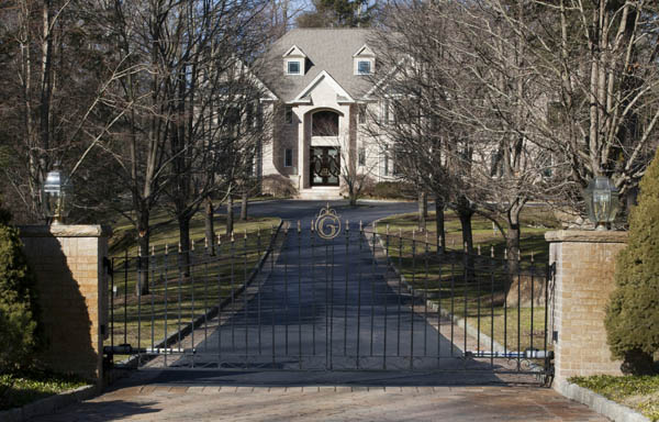 The Westchester County home of Eric Gladstein, who at one point was listed as president of the corporation that owned 3569 DeKalb Avenue, where a 2002 fire killed a boy. Gladstein pleaded guilty to charges related to a welfare fraud investigation that involved fake eviction cases.